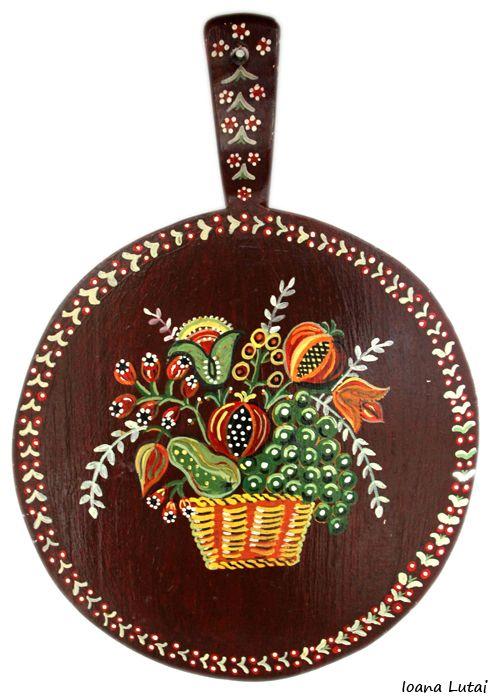 Pictura decorativa pe lemn - Ioana Lutai -Icoanepesticla-Sapanta.Ro - foto Cristina Nichitus Roncea - Decorative paintings on wood.