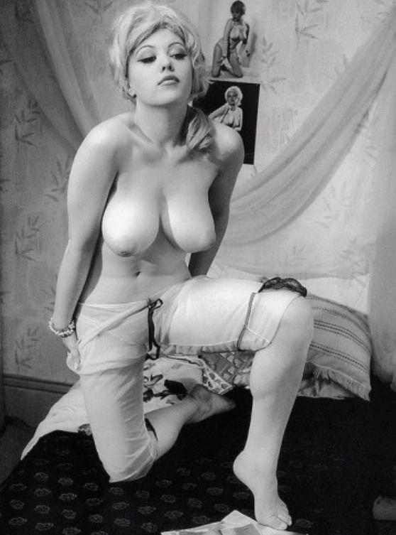 Vintageruminance Margaret Nolan - 1960S   Flippers -8744