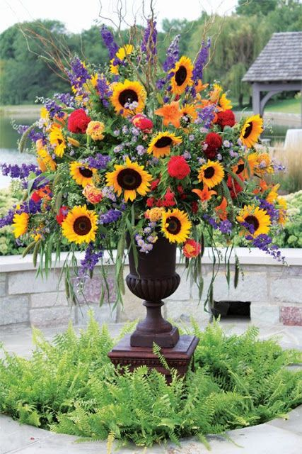 common ground summer favorites ticking stripes and sunflowers beautiful flowers - Common Flowers In Arrangements