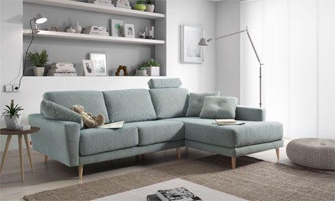 Decorar la sala con un sofá con chaise longue. Sofá Siena de estilo nórdico y patas de madera.