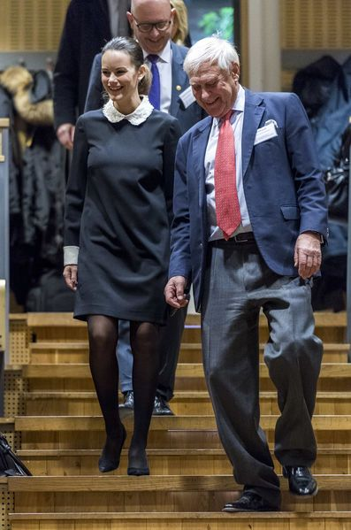 Royals & Fashion - Princess Sofia participated in an awards ceremony held at the Karolinska Institute (University of Medicine) in Stockholm.