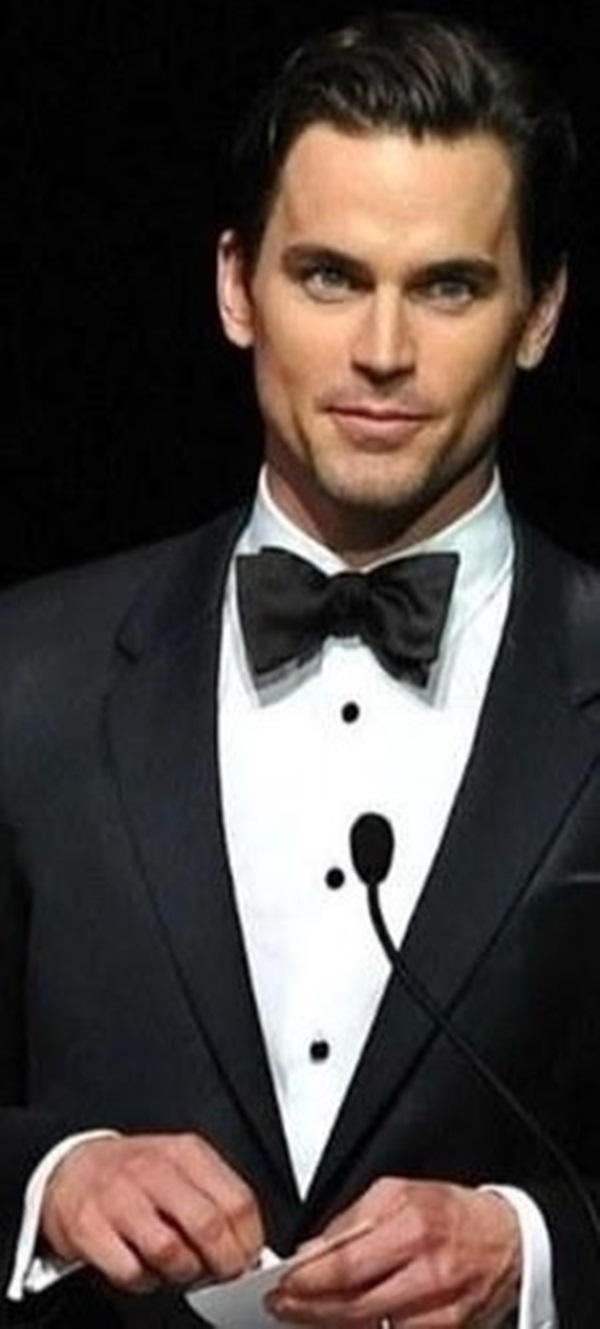 Matt Bomer, Notice the wedding ring...he's very married to his 'husband', Simon Hall. What a waste.