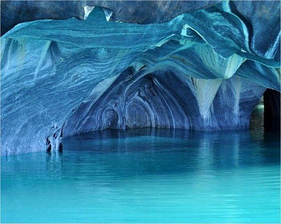 パタゴニアの奇跡。世界で最も美しい洞窟『マーブルカテドラル』 | トラベルハック|あなたの冒険を加速する
