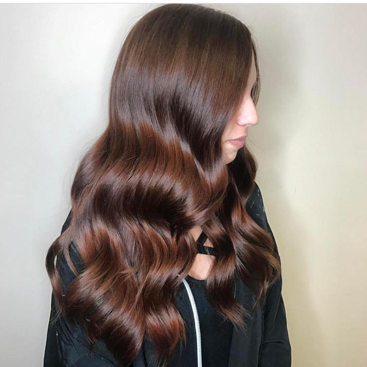 Gorgeous rippling brunette Old Hollywood waves by Aveda Artist Izzet Tabak of Turkey.