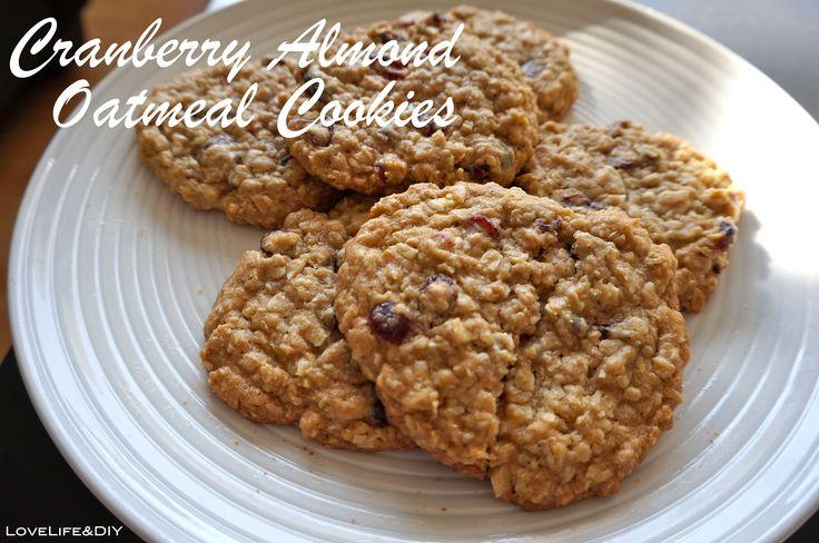 LoveLife&DIY: Cranberry Almond Oatmeal Cookies