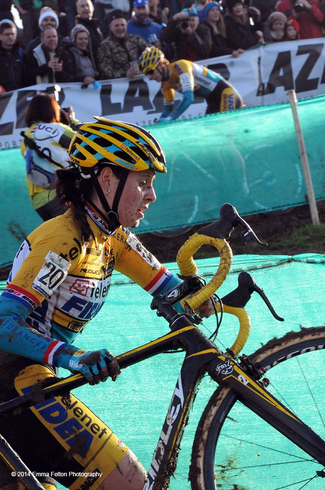 Nikki Harris, National Cyclo-cross champion in 2013. She was placed third in this round and was the highest placed UK rider in both men's and women's events.