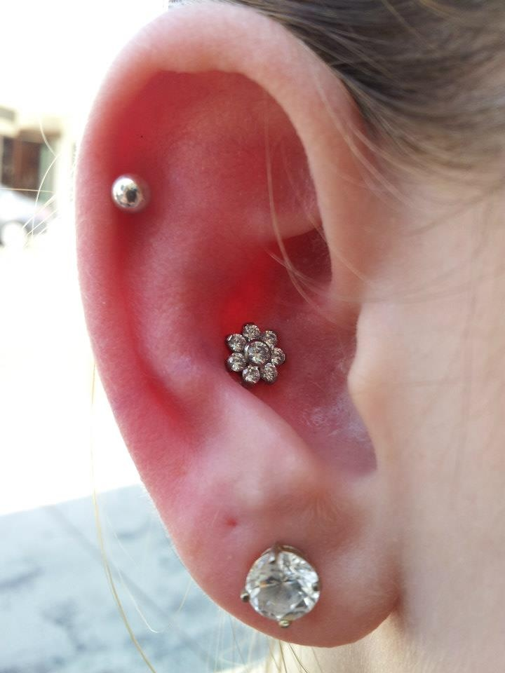 how to take out conch piercing