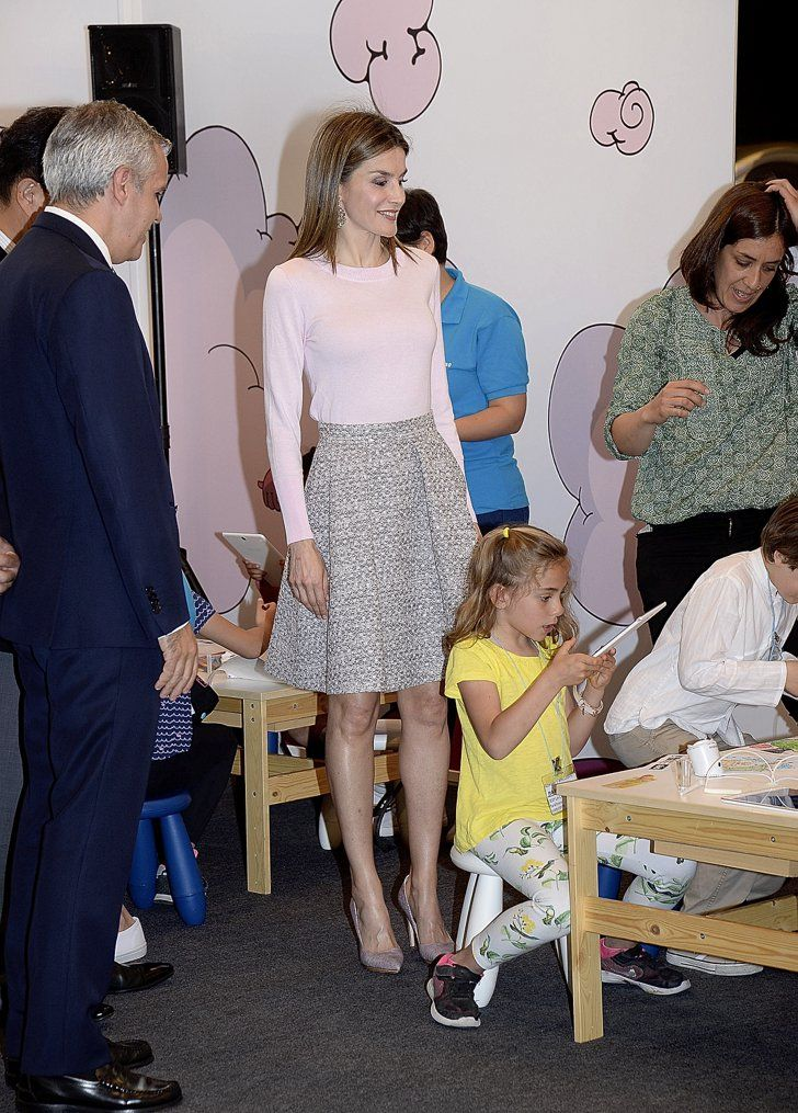 Pin for Later: She's the Queen of Spain, but You Probably Have Letizia's Perfect Spring Outfit in Your Closet
