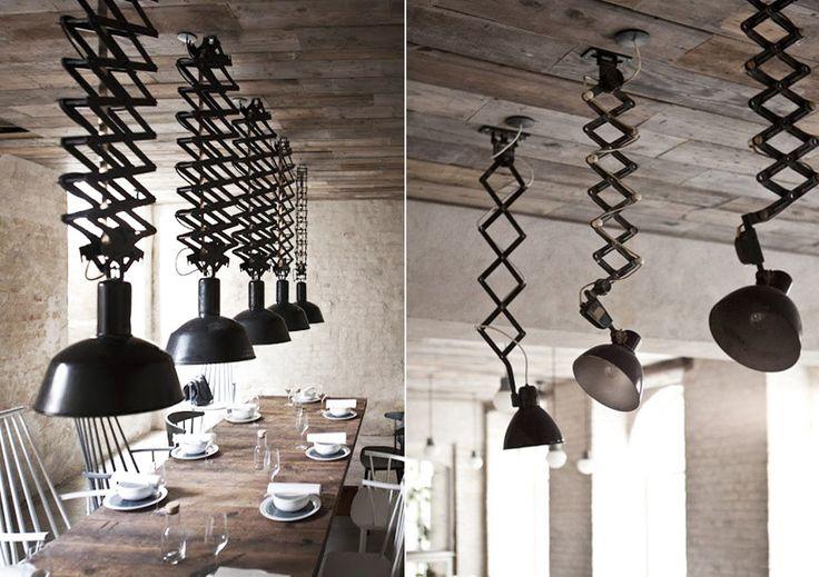 Потолочные лампы в американском винтажном стиле. Плафон светильника крепится на выдвижном механизме в виде гармошки
