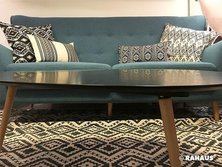 RETRO #Sofa #Couchtisch #Teppich #carpet #Kissen #Stoff #Interior #Design #Wohnen #Einrichtung #Berlin #Möbel #Möbelhaus #rahaus