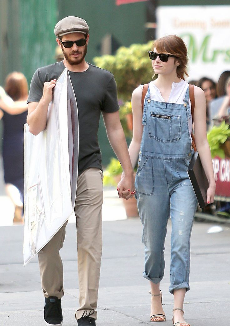 Street Style   Emma Stone + Andrew Garfield shopping in NYC