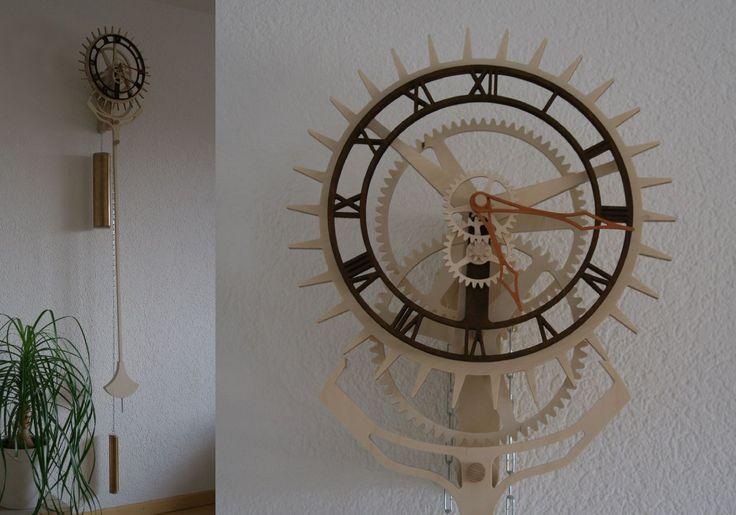 "Wooden clock ""Korona"". Designed by Christopher Blasius. Plans available at holzmechanik.de"
