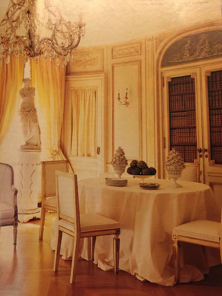 Particolare di salone in una residenza romana AD olimpia orsini