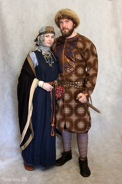 Medieval Slavic costume of Ancient Russia: Krivichi? Muslim woman could wear this