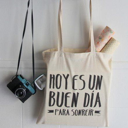 http://muymolon.com/2012/09/14/nuevas-bolsas-de-telas-para-moririse-de-bonitas-y-sellos-molones-al-10/  #mrwonderful #bolsa #tela