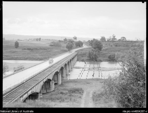 Hawkesbury River Bridge, Richmond. 1945