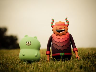 A mini guide to create your own Vinyl Toys by Camilo Bejarano
