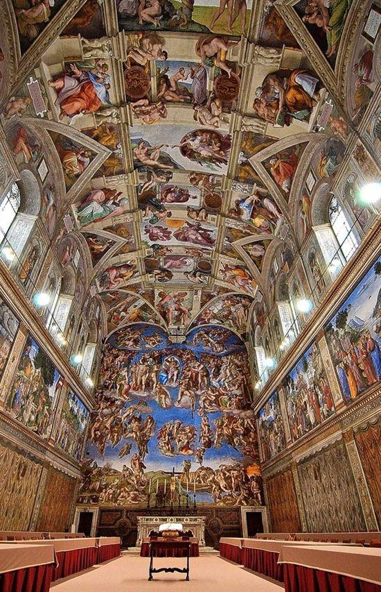 O que acha de fazer uma visita a pé com guia pelos Museus Vaticanos e a Basílica de São Pedro? Os museus reúnem grandes obras, como a Capela Sistina, A Criação de Adão e o Juízo Final. Acesse http://bit.ly/1ttsXWE  #Italia #Roma #Vaticano