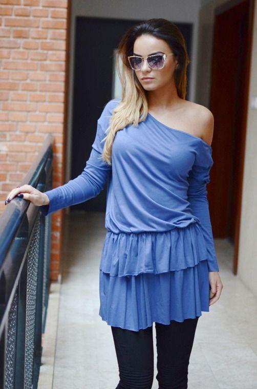 Tunika jednokolorowa o dziewczęcym fasonie, posiadająca dwuwarstwową falbankę. Modny design i niepowtarzalny wygląd, doskonałe do licznych stylizacji na każdą okazję.
