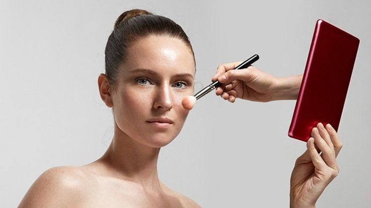 Get the best makeup tutorials from the web. These DIY tutorials include makeup tips for eye makeup, face makeup, contouring tips, lipstick & beauty basics.