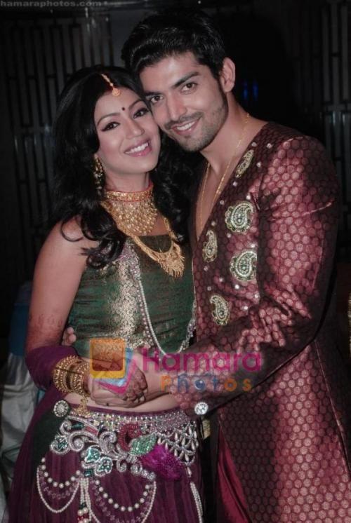 Gurmeet Choudhary, Debina Bonnerjee at Gurmeet and Debina_s wedding reception on 18th Feb 2011