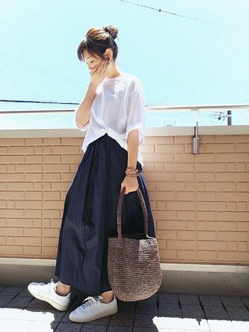 ボリュームスカートでnoロールアッパー٩(๑•ε・๑)۶ マキシ丈スカート×オーバーサイズT ネイビ