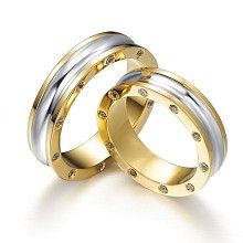 Timeless Duet – intricate combination of white and yellow gold