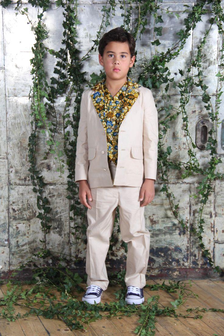 Bradley Suit - Beige suit with leaf print collar. Optional peach waistcoat.