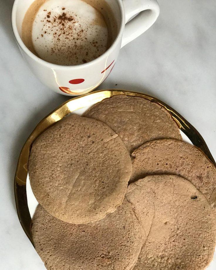 PANCAKES DE CHOCOCANELA  Ingredientes:  ✔️ 1 huevo.  ✔️ 3 claras (u otro huevo más).  ✔️ 1 cucharada colmada de salvado de avena.  ✔️ 1 cucharada colmada de avena instantánea.  ✔️ 1/2 cucharadita de polvo para hornear.  ✔️ 3 sobrecitos de edulcorante.  ✔️ 1 cucharadita de cacao puro.  ✔️ 1 cucharadita...