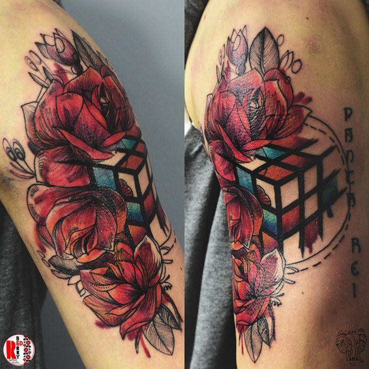 Redberry Tattoo Studio Wrocław #tattoo #inked #ink #studio #wroclaw #warszawa #tatuaz #dresden #redberry #katowice #amazingtattoo #dzolama #redberrytattoostudio #amaizingtattoo #poland #berlin #sketch #delicate #kwiaty #flowers #aquarel #rubic #rubiccube #cube #kostka #kostkarubika #pantarei