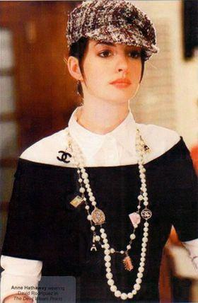 アン・ハサウェイのプラダを着た悪魔の時のファッション解説 - NAVER まとめ