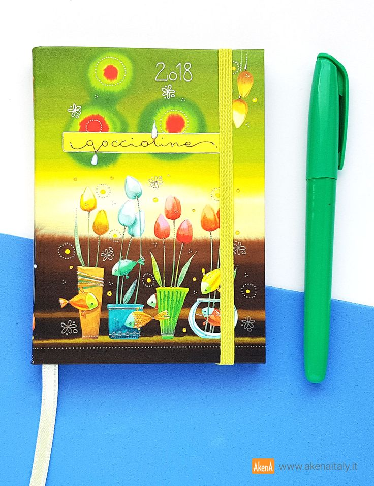 Agenda settimanale 12 mesi 2018, piccolo formato, con copertina morbida verde e marrone illustrata con tulipani e pesciolini e decorata con dettagli in lamina d'argento