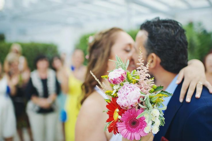 Grand 'souxe' Wedding, bridal colourful bouquet syros wedding | lafete
