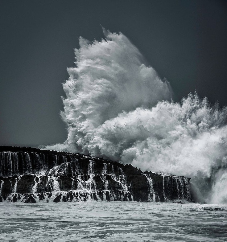 The Exploding Wave - Oahu, Hawaii - from #treyratcliff at www.StuckInCustoms.com - all images Creative Commons Noncommercial.