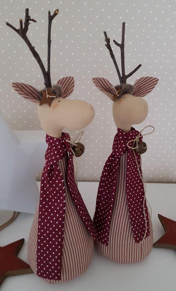 RENAS MODERNAS | Que tal dar um toque lúdico na decoração de Natal? Essas renas de tecido são uma fofura! #inspiracao #decoracaodenatal #DIY #ficaadica #SpenglerDecor