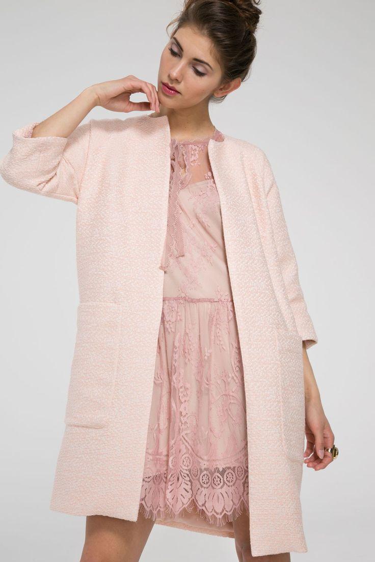 Płaszcz typu chanel z kieszeniami - pudrowy róż