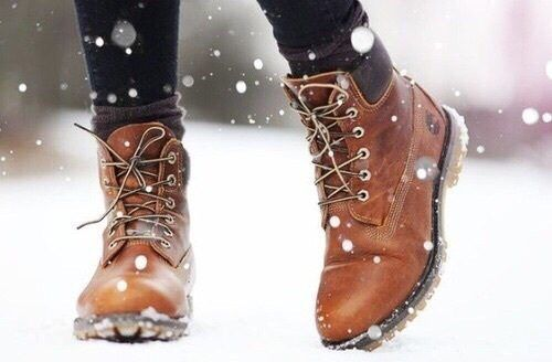 tan-snow-boots- timberland boot, Ankle booties latest trend for 2017 http://www.justtrendygirls.com/ankle-booties-latest-trend-for-2017/