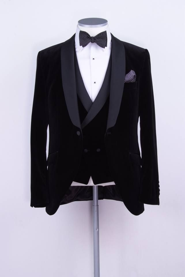 black velvet slim fit dinner suit / tuxedo www.anthonyformalwear.co.uk