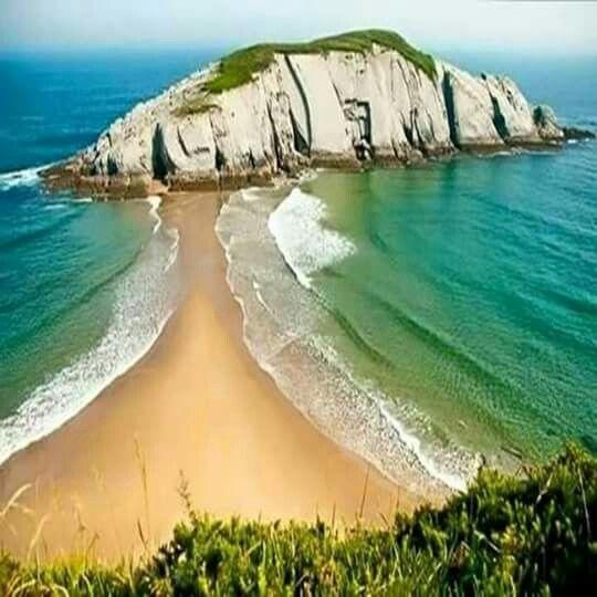 Playa de Cosacos, Cantabria, España
