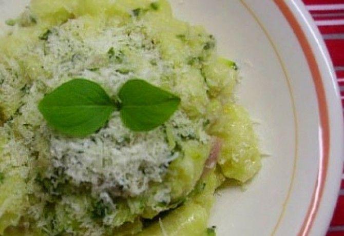 Házi készítésű gnocchi cukkinivel