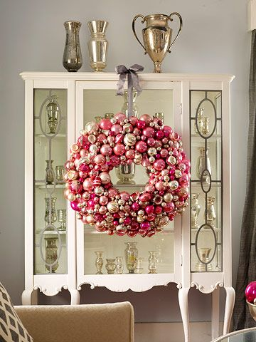 """CHRISTMAS DECORATING ~ MAKE A STATEMENT..."" GORGEOUS PINK CHRISTMAS WREATH..!!!"