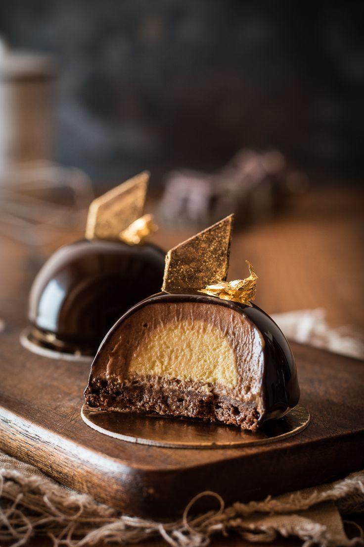 Cremige Nougat-Rum-Törtchen mit Schokoladen Mirror Glaze und einem Boden aus saftigem Brownie - dekadent und ein absolutes Highlight