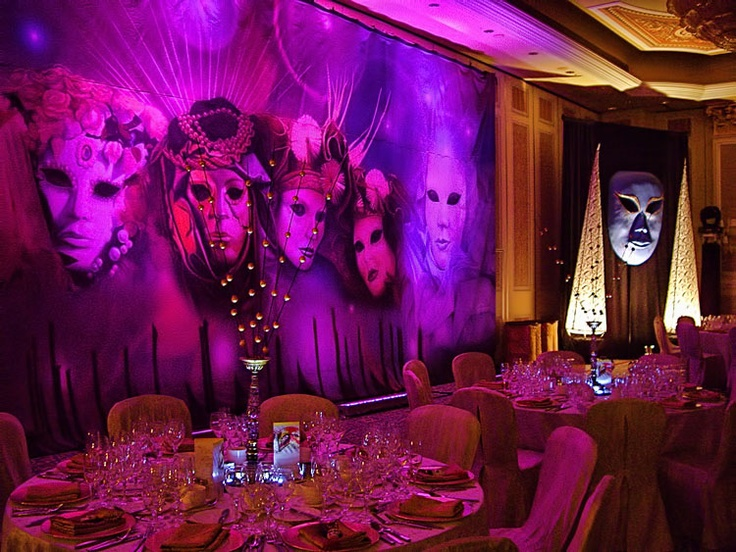 Venetian themed masquerade artwork to suit a Venetian themed dinner. See more: http://www.theig.com