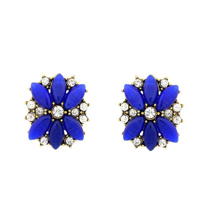 Brinco Flor Acrílico Azul   Brinco confeccionado em metal,apresenta detalhes em acrílico strass em destaque.  Banho: Dourado velho    Tamanho 2,1 cm x 2 cm