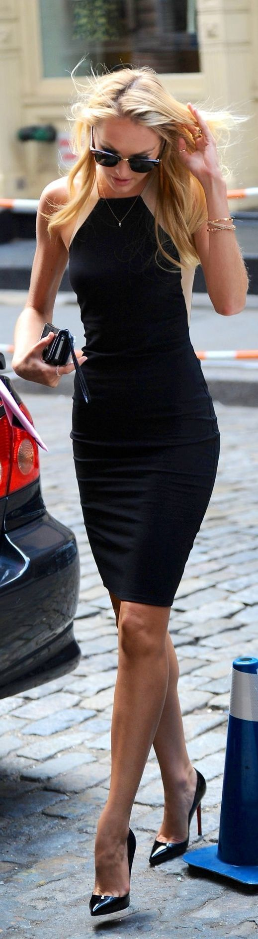black dress with purse and high heels Outfit<3