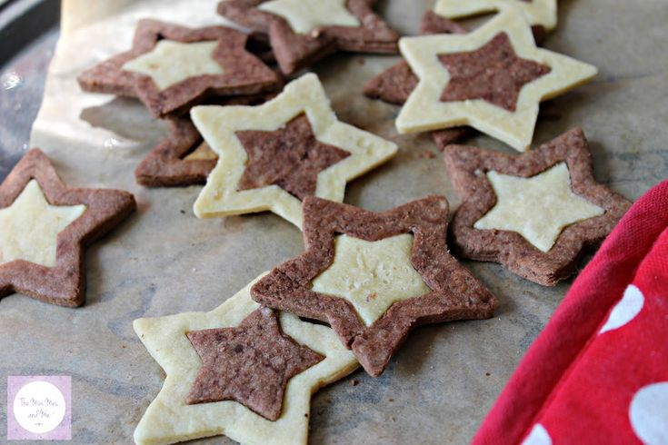 Two Tone Star Biscuits - Mini Makes   The Mini Mes and Me