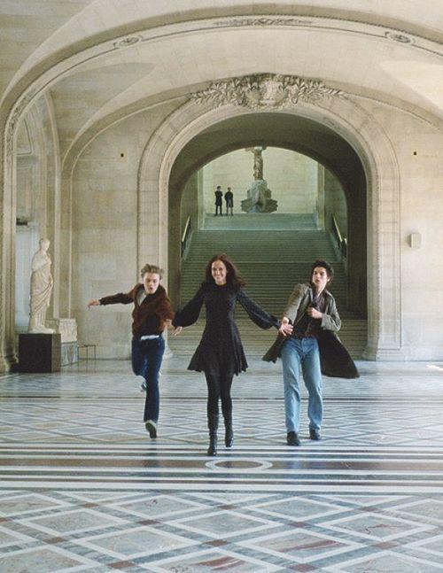 (l-r) Michael Pitt, Eva Green and Louis Garrel in Bertolucci's The Dreamers