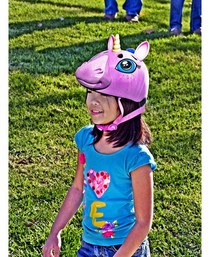 I believe in unicorns. Staying safe has never looked so cool until the Raskullz Unicorn Safety Helmet came along! The awesome unicorn shaped helmet with 3D features will appeal to scores of little skaters, scooters and cyclists meaning parents no longer have to nag them into wearing their safety gear.
