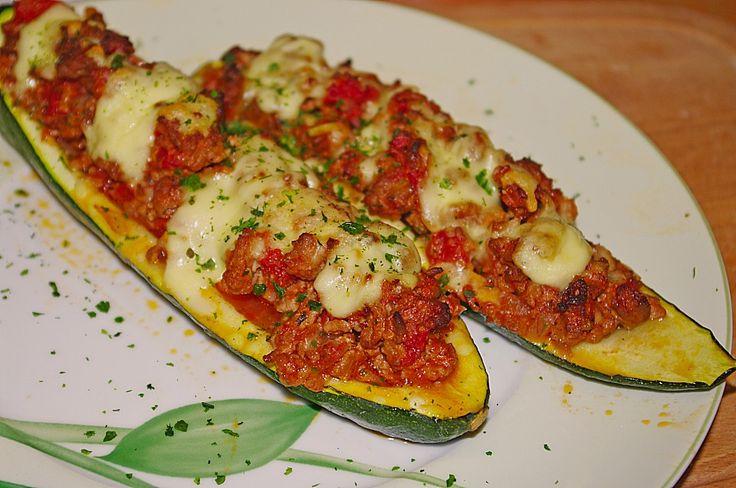 Gefüllte Zucchini, ein sehr leckeres Rezept aus der Kategorie Sommer. Bewertungen: 382. Durchschnitt: Ø 4,4.