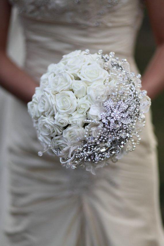 Bouquet: Bridal Bouquets, Brooches Bouquets, White Rose, Wedding Ideas, Wedding Bouquets, Wedding Photo, Bride, Flower, Broach Bouquets